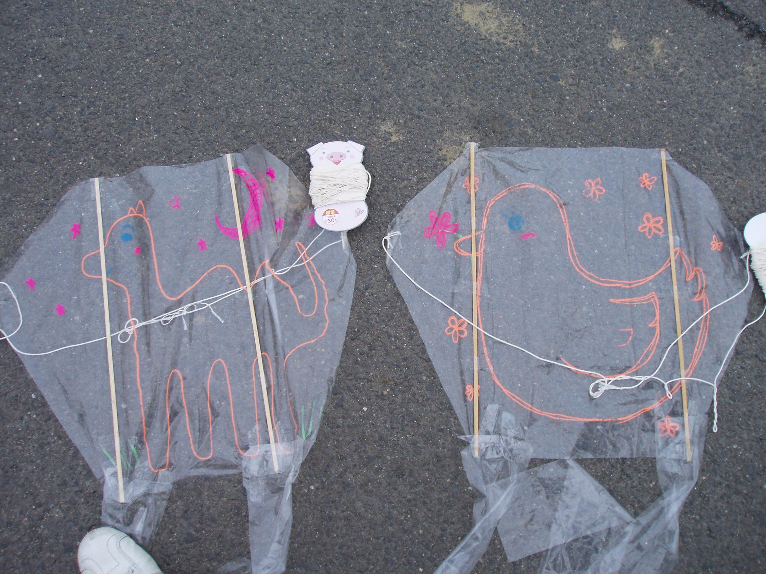 凧 手作り 簡単 ビニール袋とストローで作るふわふわ凧